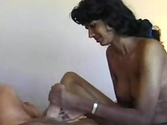 Indian unexperienced gives white guy a cook jerking