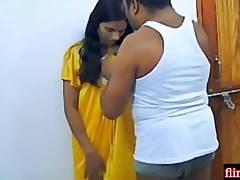 Husband Ke Sone Ke Bad Sexy Bhabi Ne jeth ji Se Romance Kiya