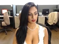 Sexi Desi Bitch on Skype 4