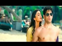 Indian Cute Teenage Actress in Bikini