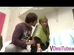Indian Muslim Gal Screwed in UAE